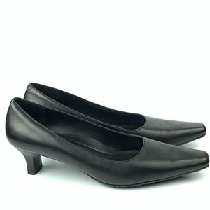 Ecco woman's heels size 42 11-11.5 black leather